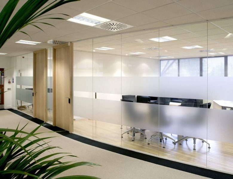 Cam Bölme Sistemleri ile Ofisinize Çağ Atlatın